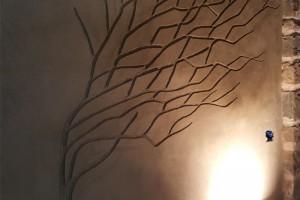 albero   in terra cruda della fattoria dell'autosufficienza