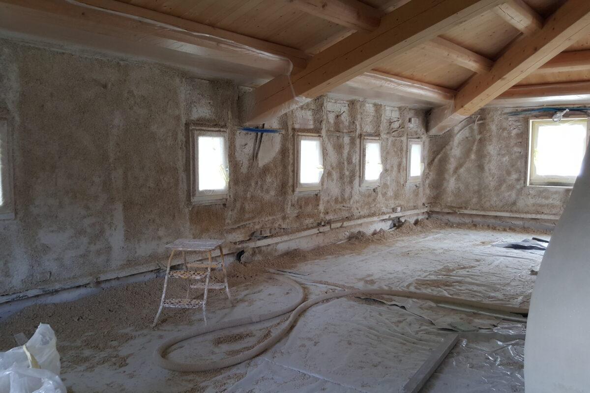 costruzione interni coibentati in calce e canapa