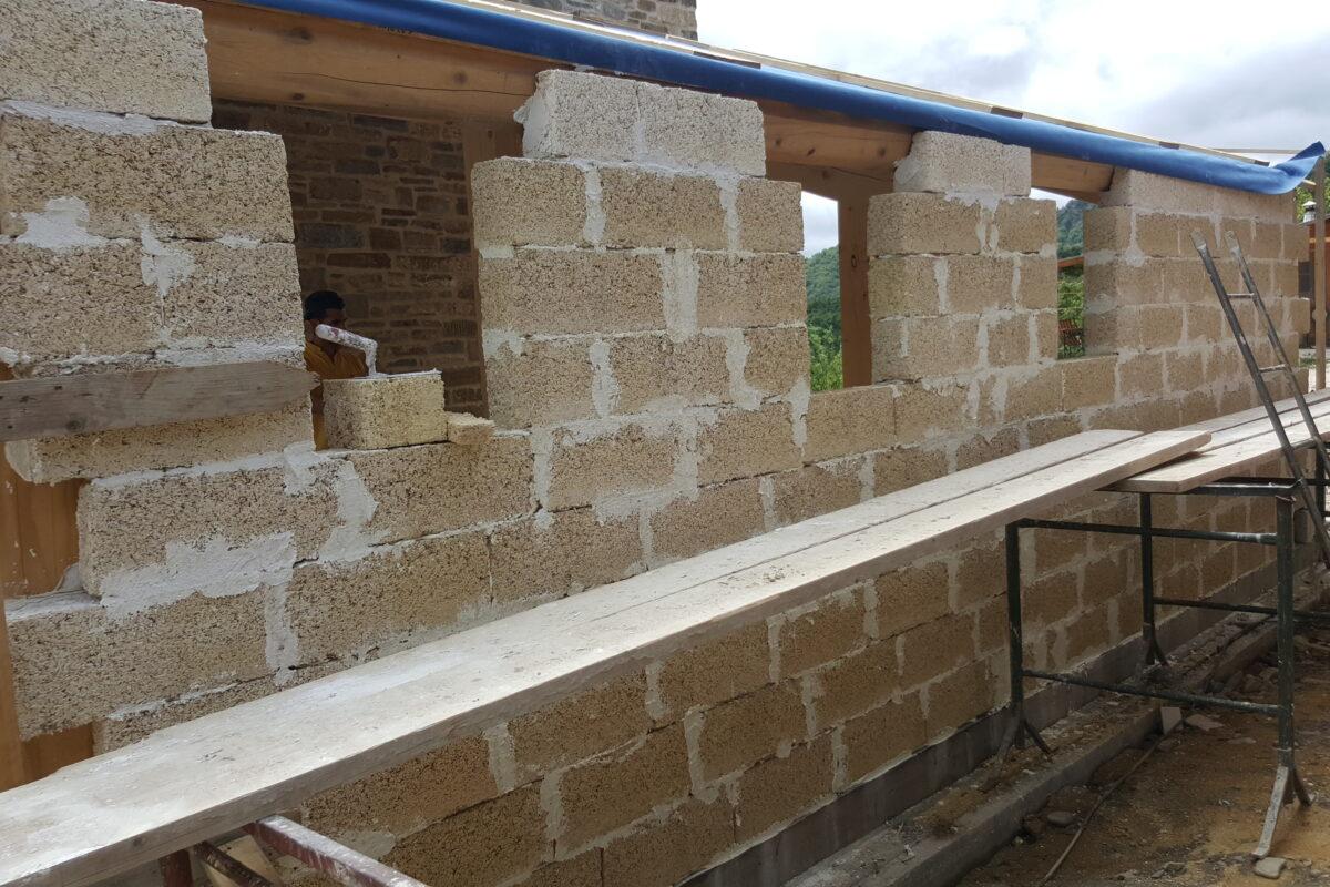 costruzione ampliamento in calce e canapa