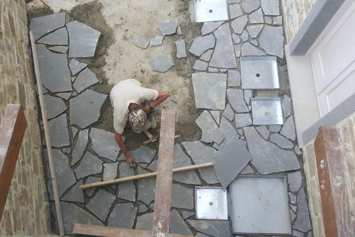 pavimentazione esterna in costruzione
